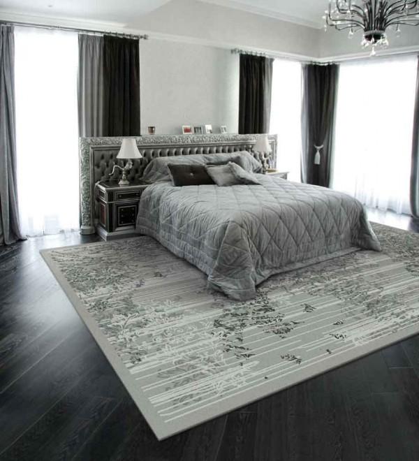 ковёр на полу в интерьере спальни в сдержанном стиле