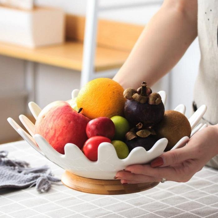 Стол на кухне - отличное место для фруктов. / Фото: Pinterest.ru