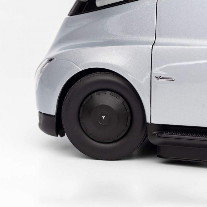 Электрический тягач Tesla Semi – уже в продаже Tesla Semi