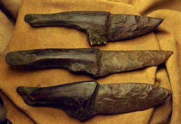 Кремниевые ножи также неожиданно оказались самыми острыми. /Фото: pepper.ru