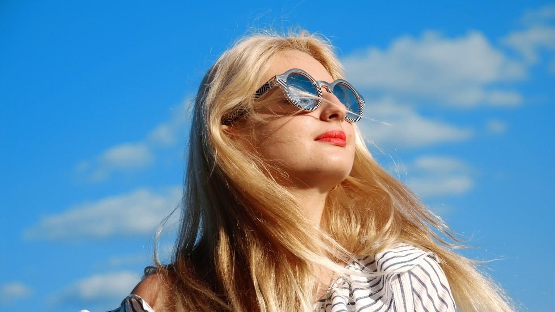 Врач Тяжельников напомнил о важности защиты глаз на солнце Общество