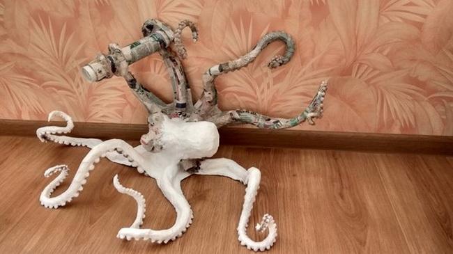 Лампа в виде осьминога из папье-маше своими руками
