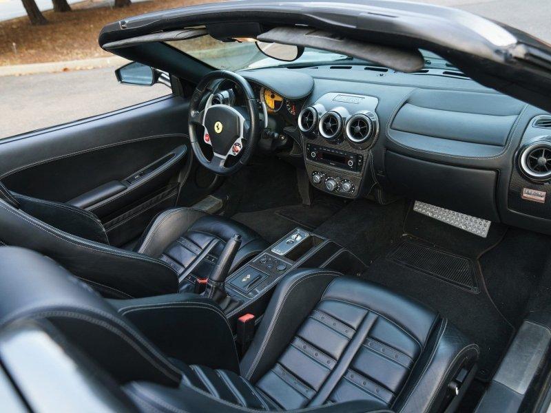 Чисто американская история: купить проблемную Ferrari и разбогатеть