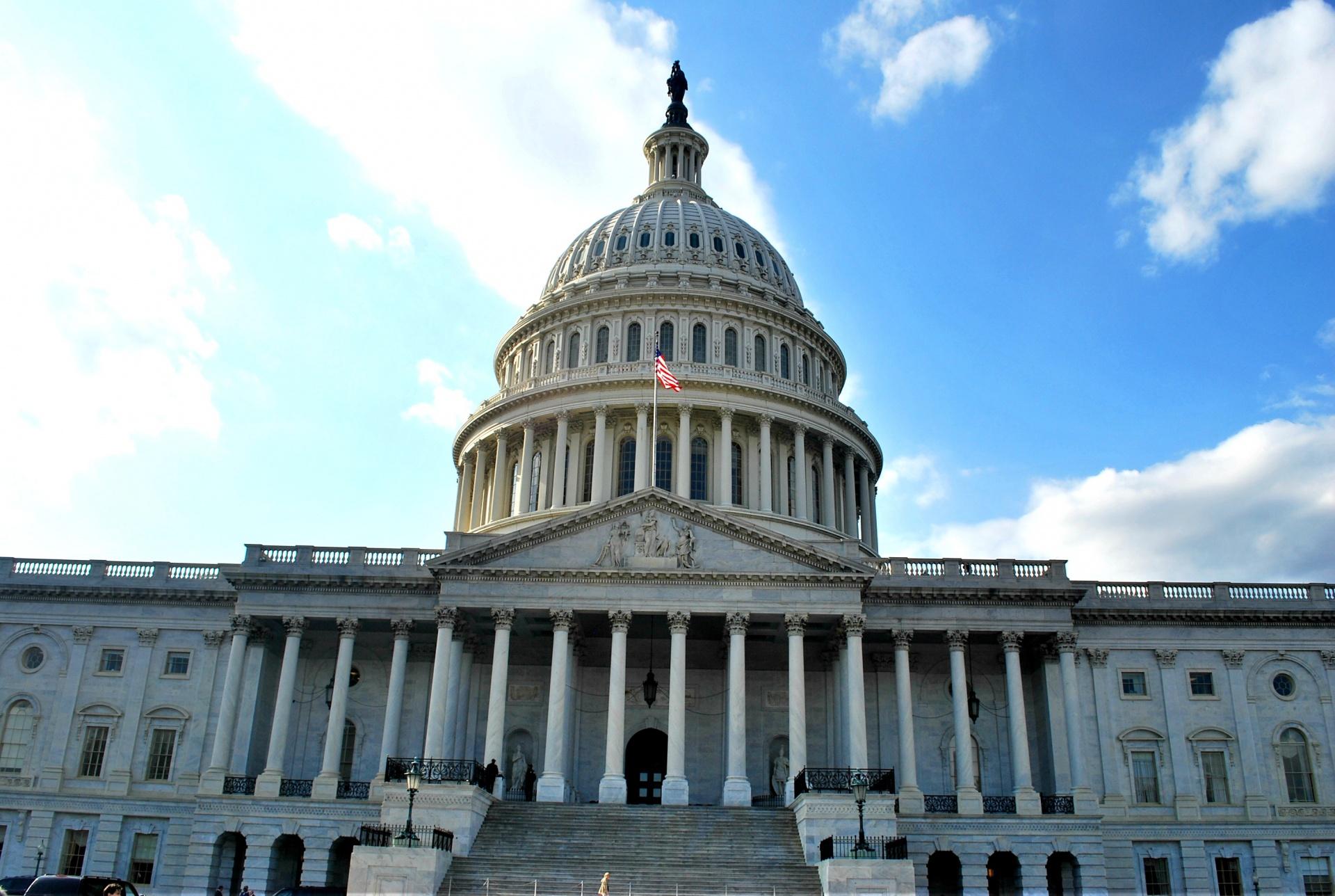 Непокорная Вирджиния: назревает беспрецедентное противостояние властей США и митингующих
