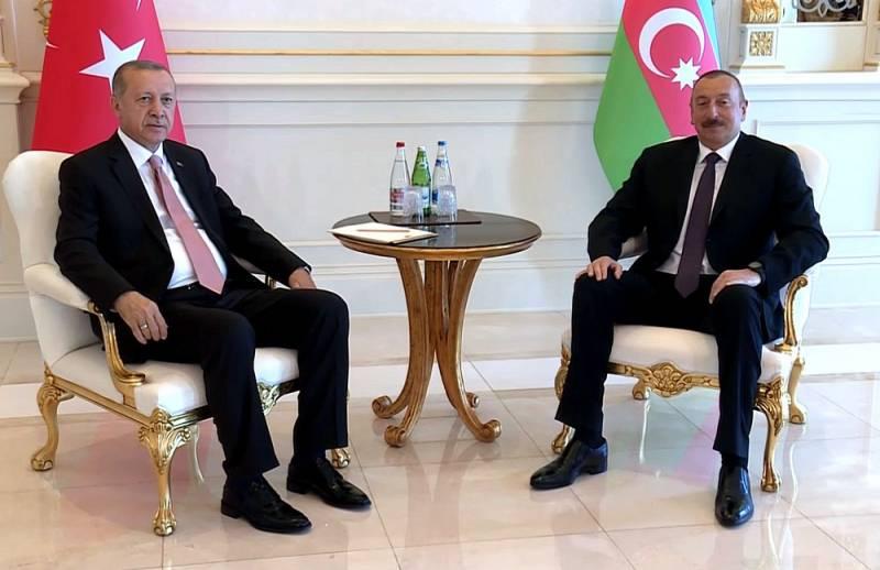 Подмять под себя Южный Кавказ: Экспансия Турции становится все более дерзкой Политика