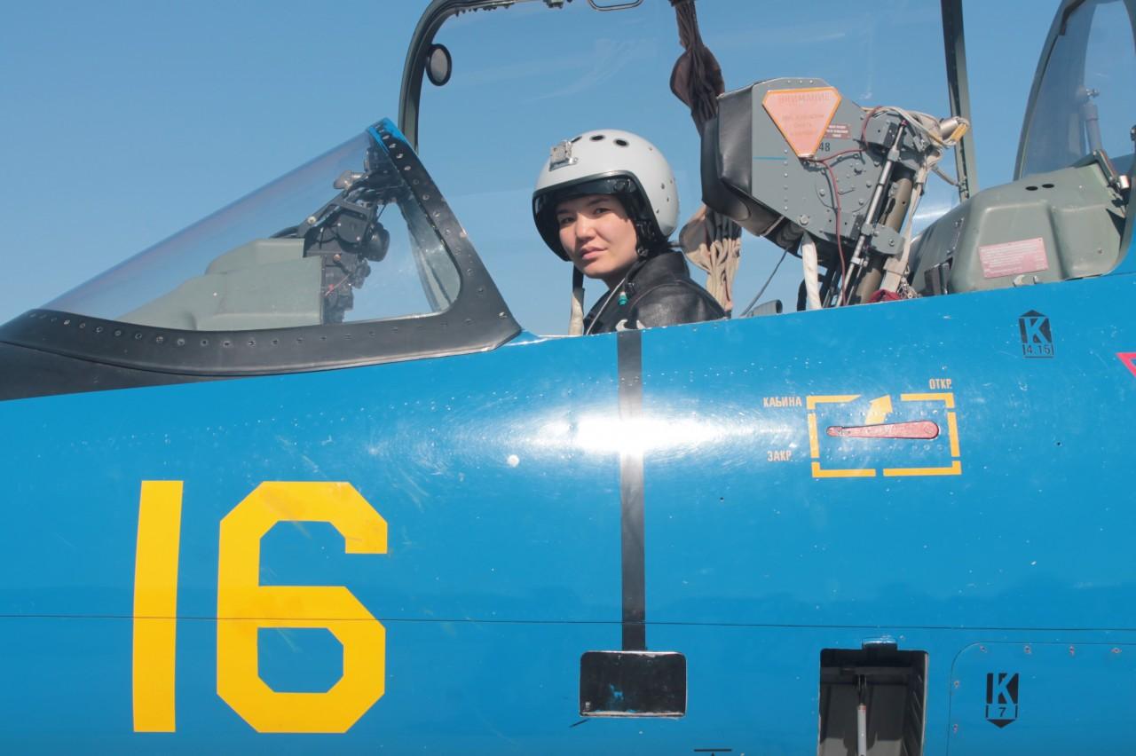 Первая летчица в вооруженных…