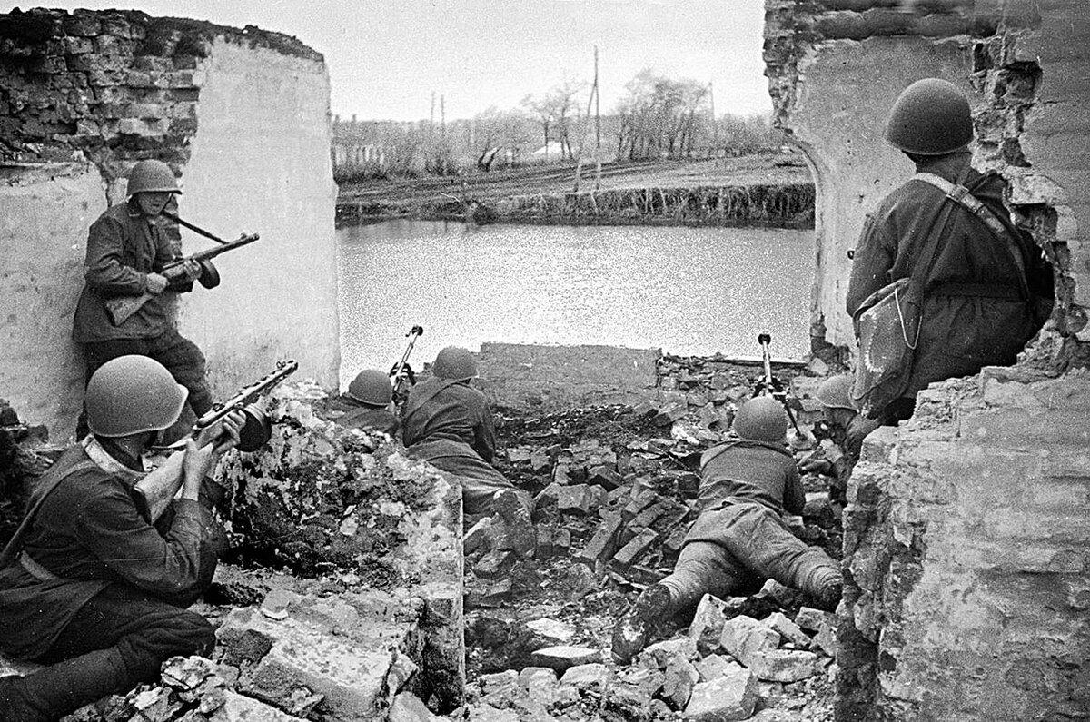 Уличные бои в Воронеже, 1942 год.
