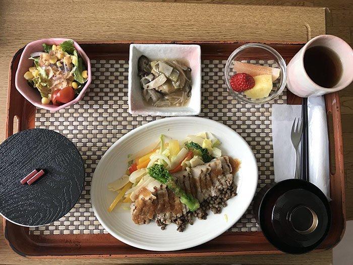 Свинина на обед блюдо, еда, пища, родильный дом, роженица, фото, япония