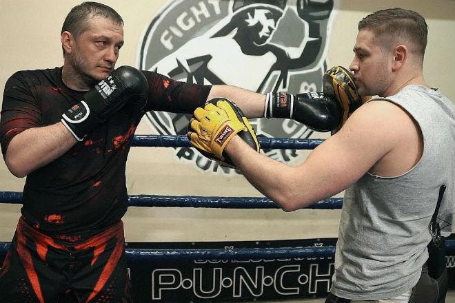 Уклоны в боксе: уходим от удара и получаем преимущество бокс,спортъ,техника бокса,Тренинг,тренировка