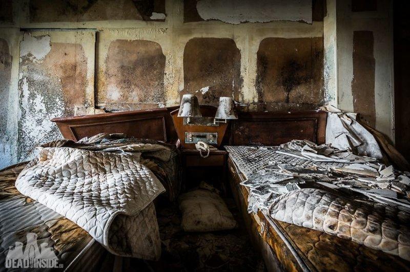 Остатки былой роскоши: огромный заброшенный отель в Японии Отель, заброшенные места, заброшенный объект, заброшенный отель, заброшки, фотограф, япония