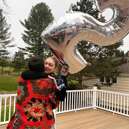 Джиджи Хадид отметила день рождения с Зейном Маликом Звезды,Звездные пары