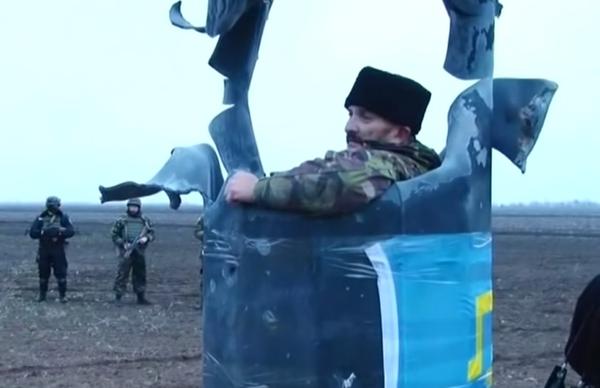 Взорванная на Херсонщине опора ЛЭП, ведущей в Крым (2015 год)