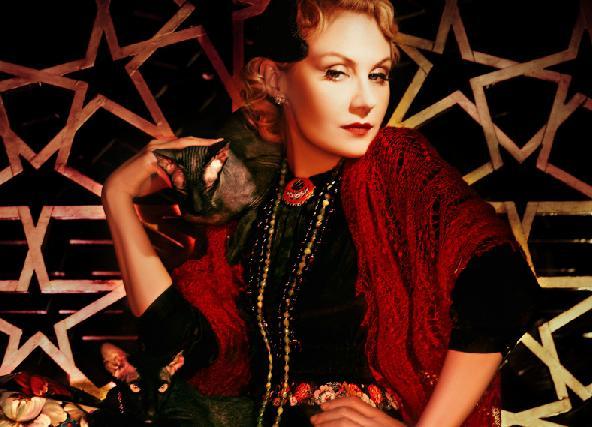 В гостях у звезды : секрет красоты Ренаты Литвиновой кроется в «омолаживающем зеркале»