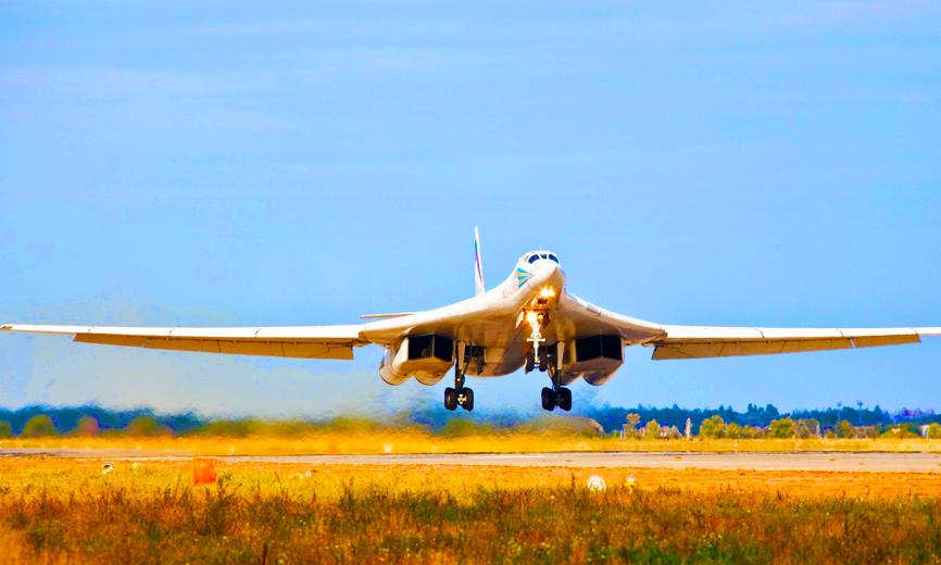 Ту-160 разнес целый аэродром боевиков под Алеппо