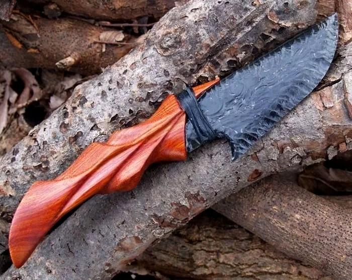 Сегодня самые острые ножи используют только в качестве подарков. /Фото: forfun.com