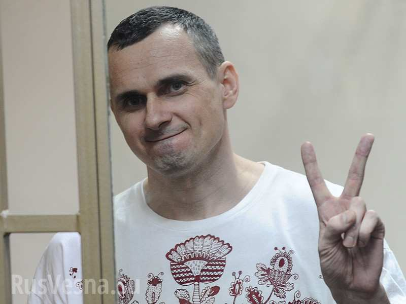 США требуют освободить Сенцова