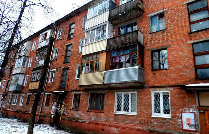 Не положено: Почему в хрущевках отсутствуют балконы на первых этажах