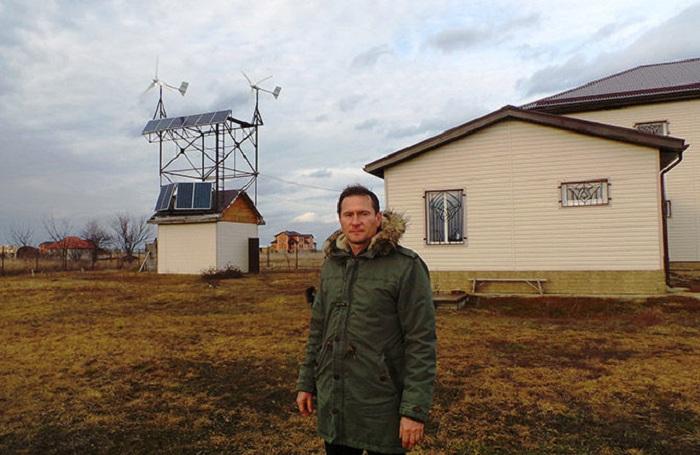 Житель Кубани отказался от электросетей и оборудовал полностью автономный дом