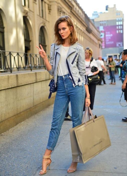 Джинсы никогда не выходят из моды. / Фото: wlooks.ru