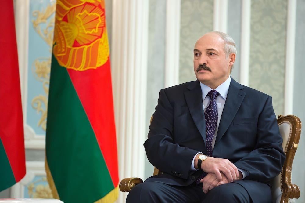 «Добрососедство» по-литовски: Лукашенко «поставили» рядом с Гитлером
