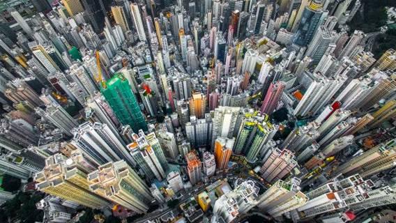Каждый 125-ый житель Гонконга владеет активами как минимум на  млн Экономика