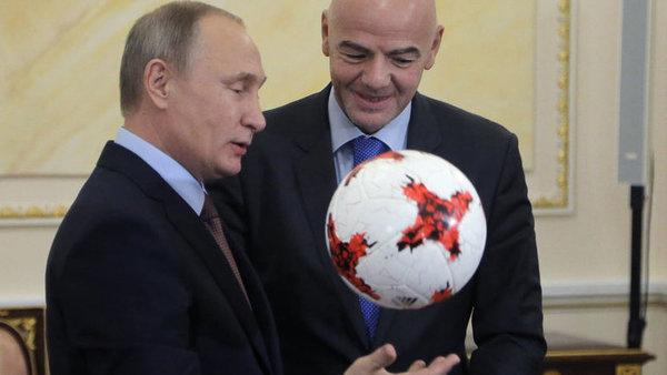 Темная сторона медали: Пока Россия радуется ЧМ-2018, ее народ пытаются разозлить и обокрасть