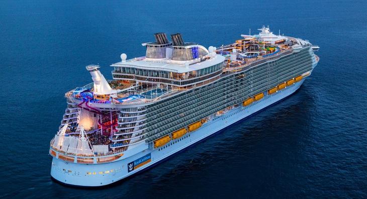 Как выглядит крупнейший в мире круизный лайнер «Симфония морей»