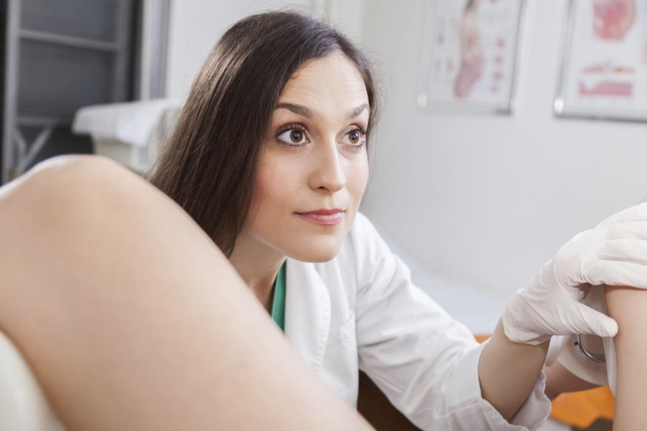 Стар порно гинеколог у девушек