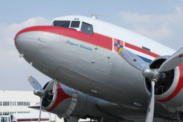 90-летний житель Амстердама 83 года ждал подарок от авиакомпании
