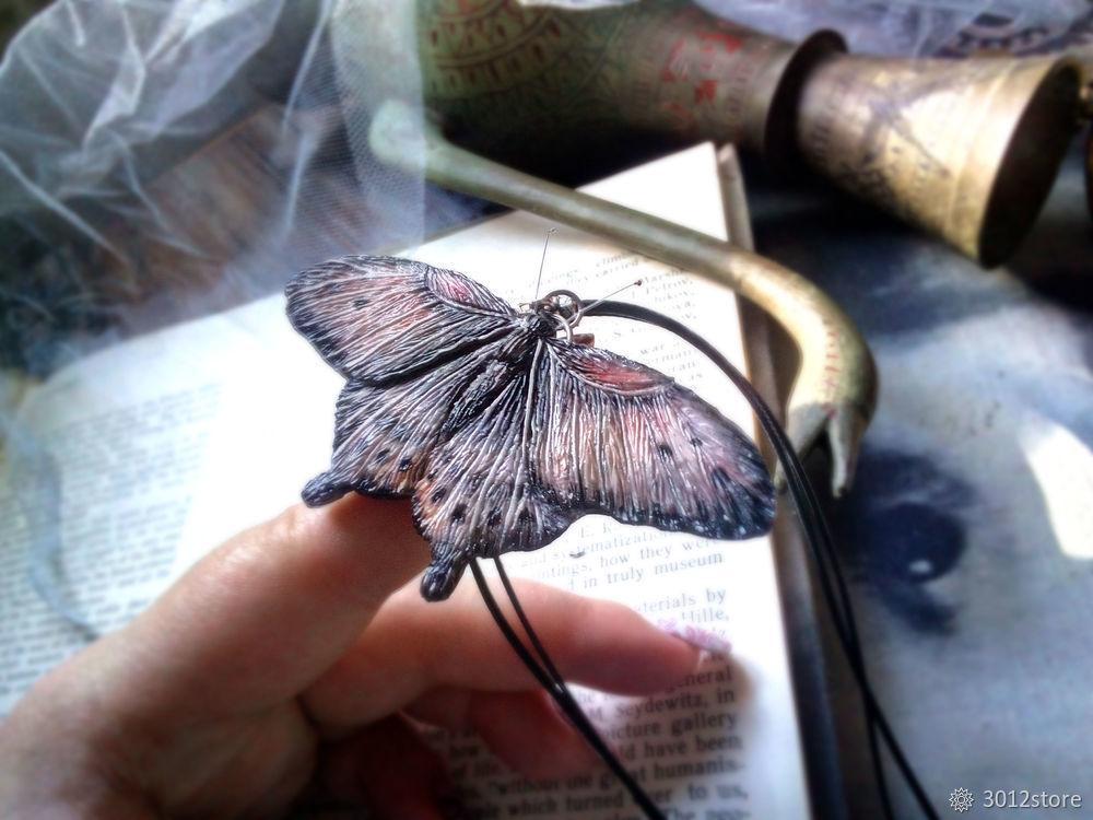 Процесс создания мотылька из полимерной глины
