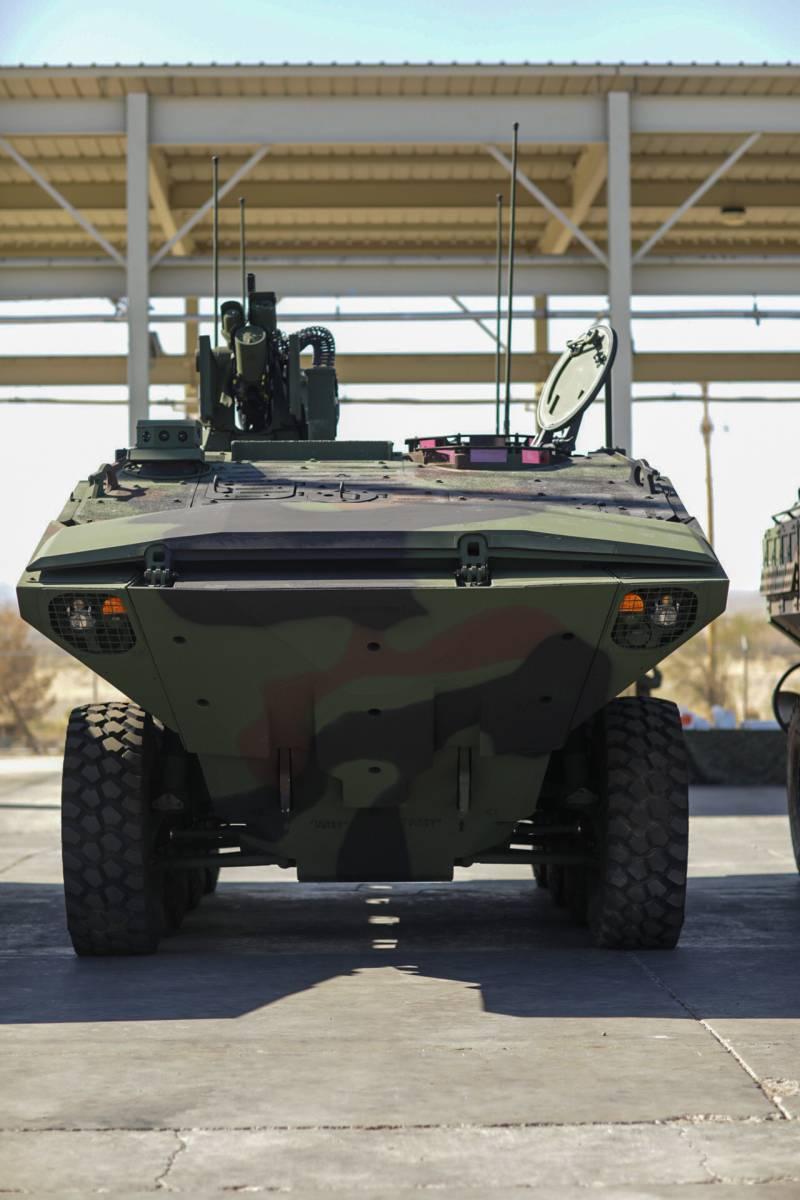 Амфибии ACV поступили в строевую часть КМП оружие