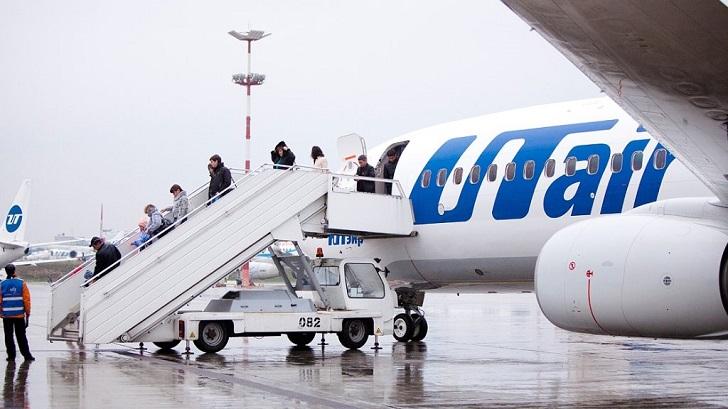 Летевший в Уфу самолет совер…