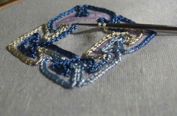 Удивительная вышивка крючком на ткани...
