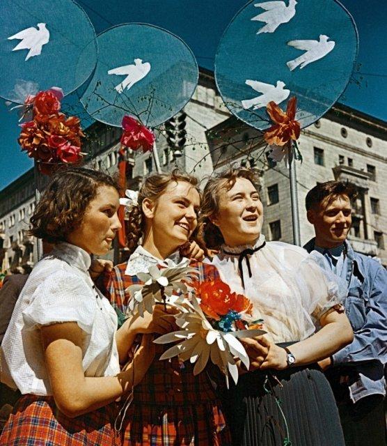 Первомай на улице Горького в Москве, 1959 год история, люди, мир, фото