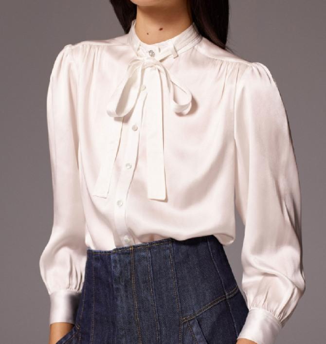 блузка жемчужного цвета