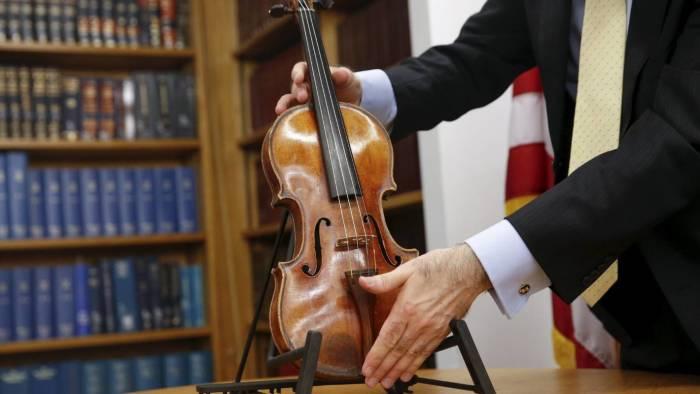 Каждый скрипач хотел бы на такой сыграть. /Фото: newsweek.com.