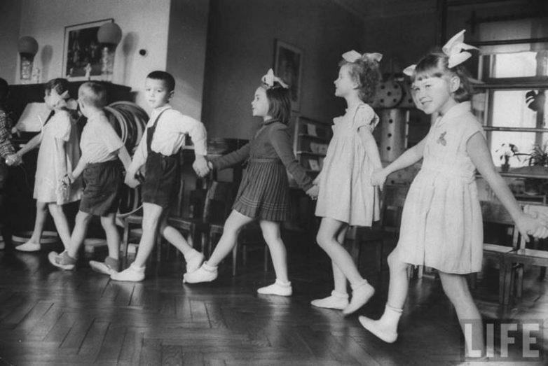 Каким был советский детский сад в 1960 году?