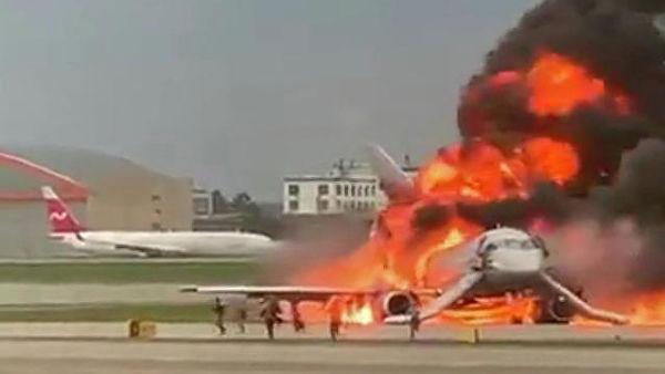 При аварийной посадке самолета в Шереметьево погибли десять человек авиакатастрофа,общество,россияне,Шереметьево