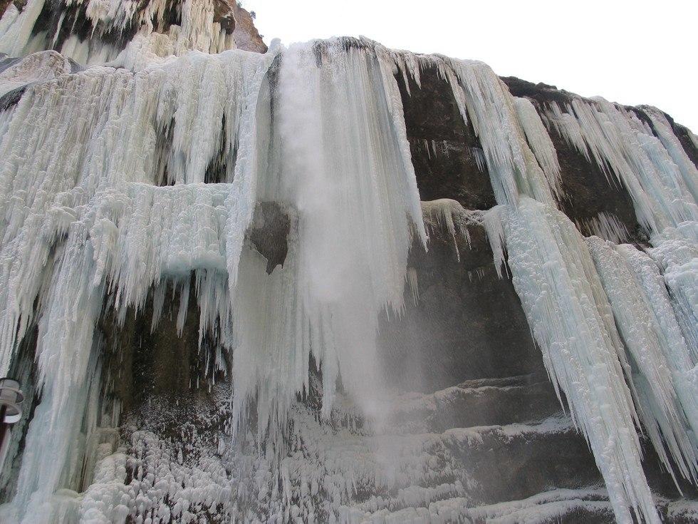 Красота величественных скал Чегемского ущелья