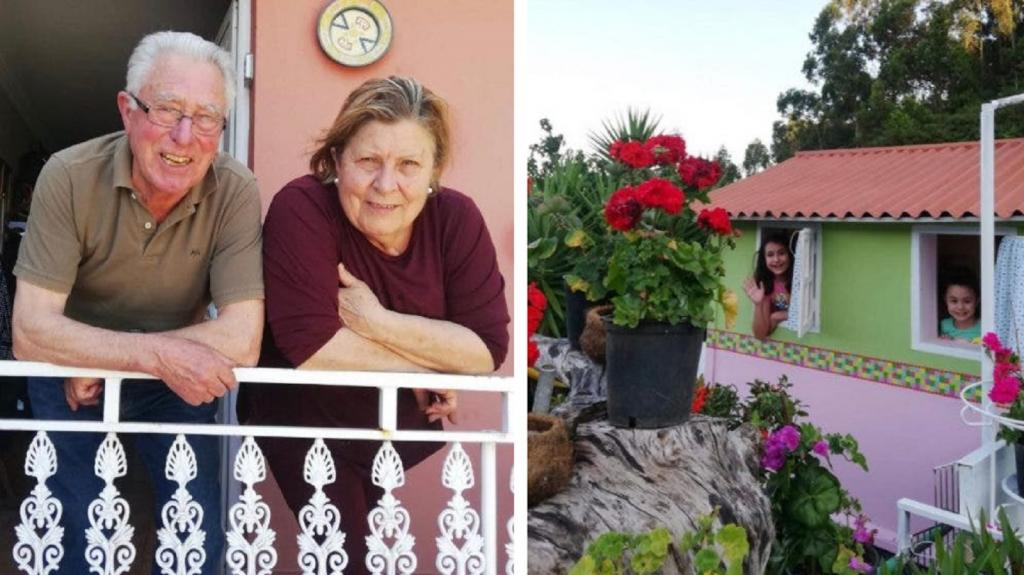Бабушка и дедушка построили своим внукам настоящий замок во дворе