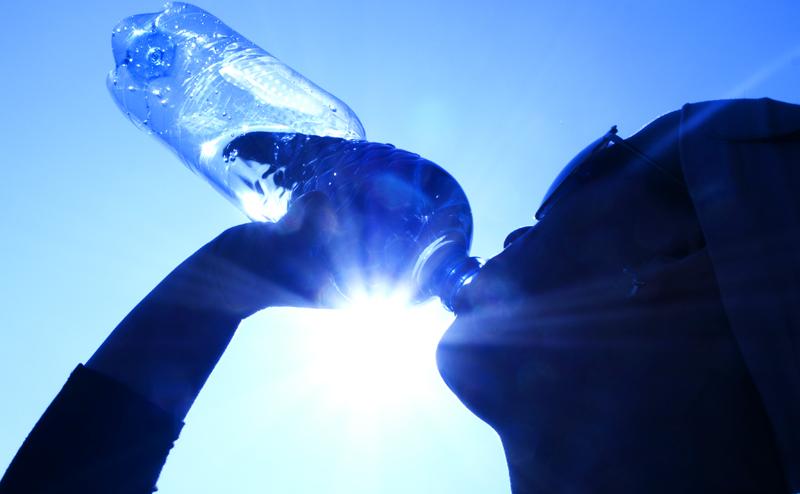 В воде из-под крана яда меньше, чем в бутылке