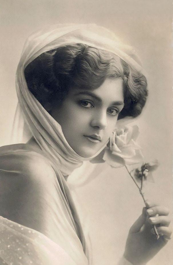 Красота женщин прошлого в винтажных открытках 1900-1910 годов девушки