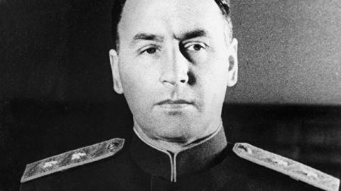 История скромного белорусского офицера, сыгравшего исключительную роль в Великой Победе.