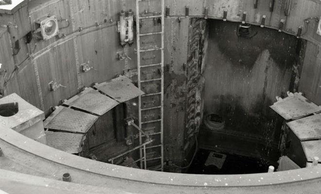 Диггеры с камерой опустились в пусковую шахту ядерной ракеты бункер