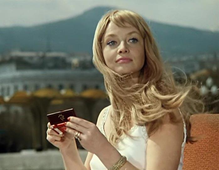 Почему четыре замужества не принесли счастья первой красавице советского кино Наталье Кустинской