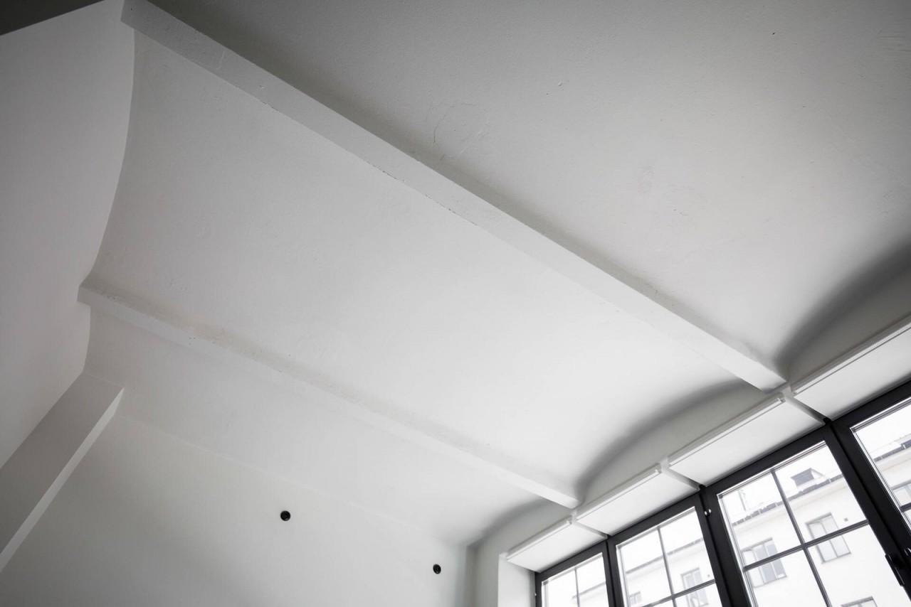 Интерьер современной студии, площадью 42 квадратных метров