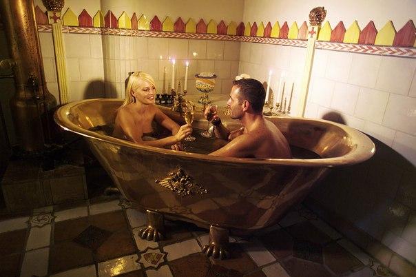 Свидание в ванной видео