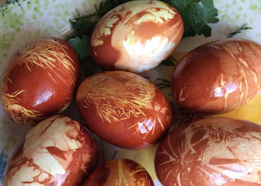 5 необычных способов покраски яиц на Пасху