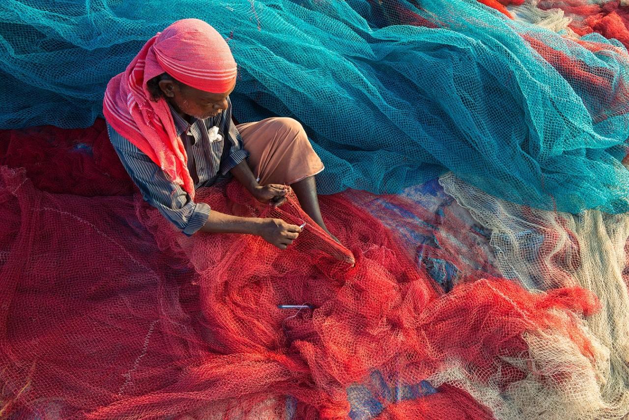Картинки по запросу Индия рыбаки пластик дороги