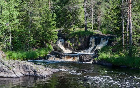 Жители Карелии в ужасе от того, что сделали с местным водопадом